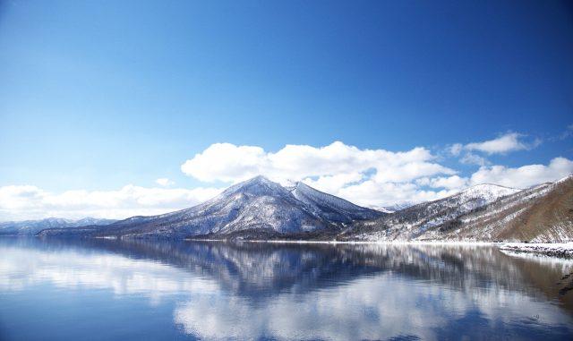 千歳市-厳冬の支笏湖最