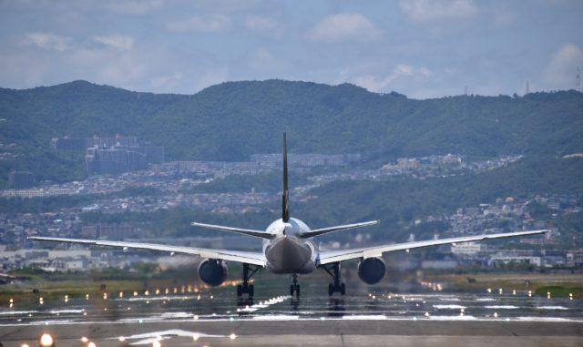 伊丹市-(伊丹スカイパーク)飛行機の離陸