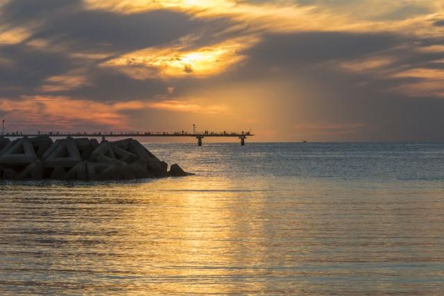 光市-山口県光市の室積海岸からの夕陽