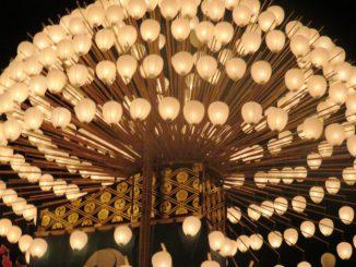 津島市-(尾張津島天王祭)巻き藁船の提灯