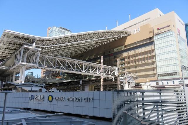 大阪-大阪駅の大屋根と大阪ステーションシティ2
