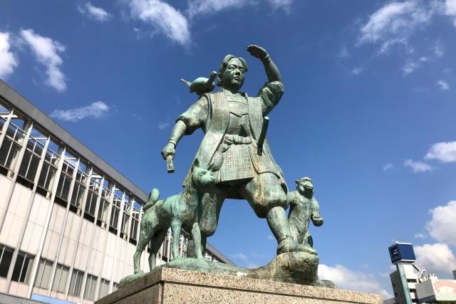 岡山-桃太郎像