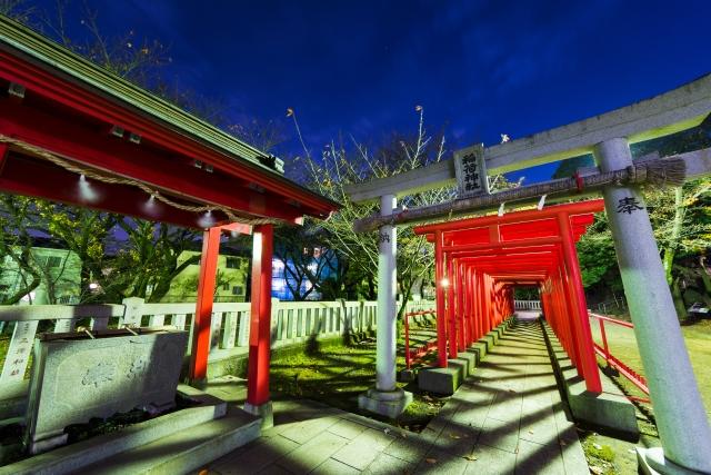 長泉町-ミステリアスな割狐塚稲荷神社(わりこづかいなりじんじゃ)の鳥居