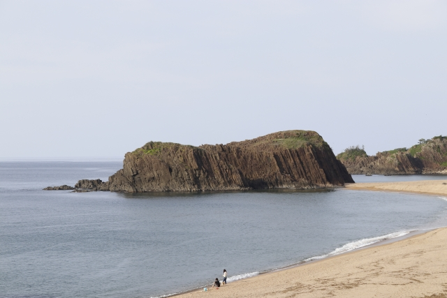 京丹後市‐(丹後町海岸)京丹後ー立岩
